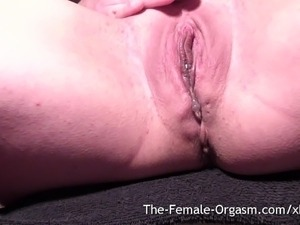 video female orgasm full pussy lips
