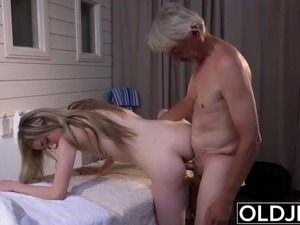 girl swallows load from pussy