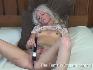 female orgasm fingering video