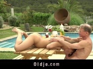 amateur couple sex outside