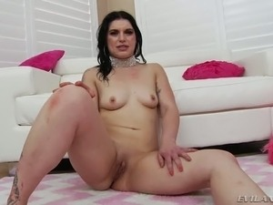 Wanton raven haired MILF Fallon West had hard session in a while