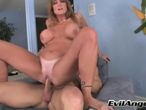threesome lesbian strop on and asslick
