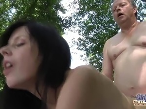 outdoor puffy pussy sex videos
