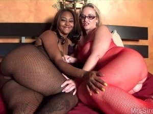 all ebony squirting pussy galleries
