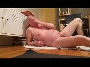 girls pissing while anal