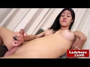 asain ladyboy sucks chicks dick