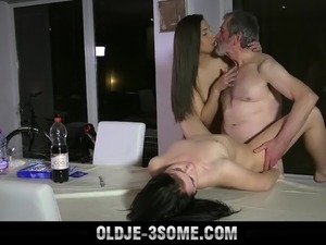threesome reality porn