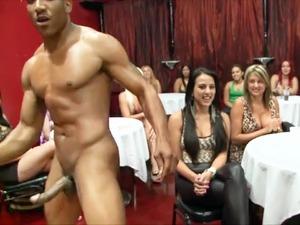 hot naked girls dancing sexy