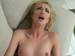 i porn girlfriend stripping