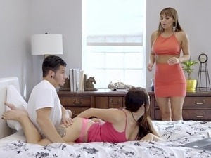 view kariann threesome video