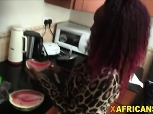 Curvy African Babe Takes White Schlong In Kitchen