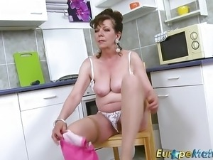 free granny boy sex movies