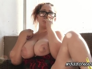hottie shows boy her tits video