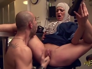videos of flashing the hotel maid