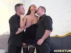 Briana loves double anal