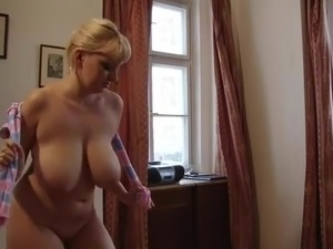 busty mature galleries