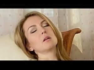 mom sex with son video