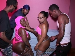 collage girls sex party