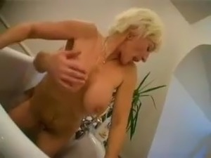 hot mature women pics