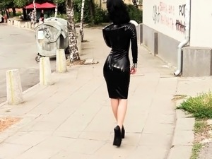 girl latex picture gallery