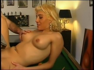FRENCH Amateur beurette Nedjma fucked by two guys