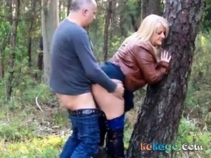 naked outdoors video
