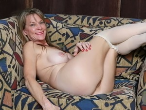 sexy mature nude moms
