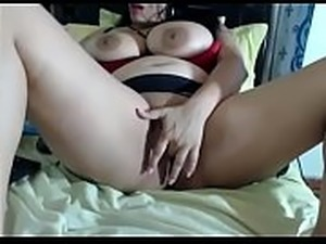 petite woman slutload flash pussy