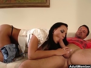 videos of hot brunettes sucking cocks